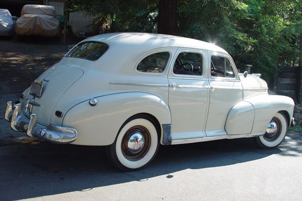 1946 CHEVROLET FLEETMASTER 4 DOOR SEDAN - Rear 3/4 - 21331