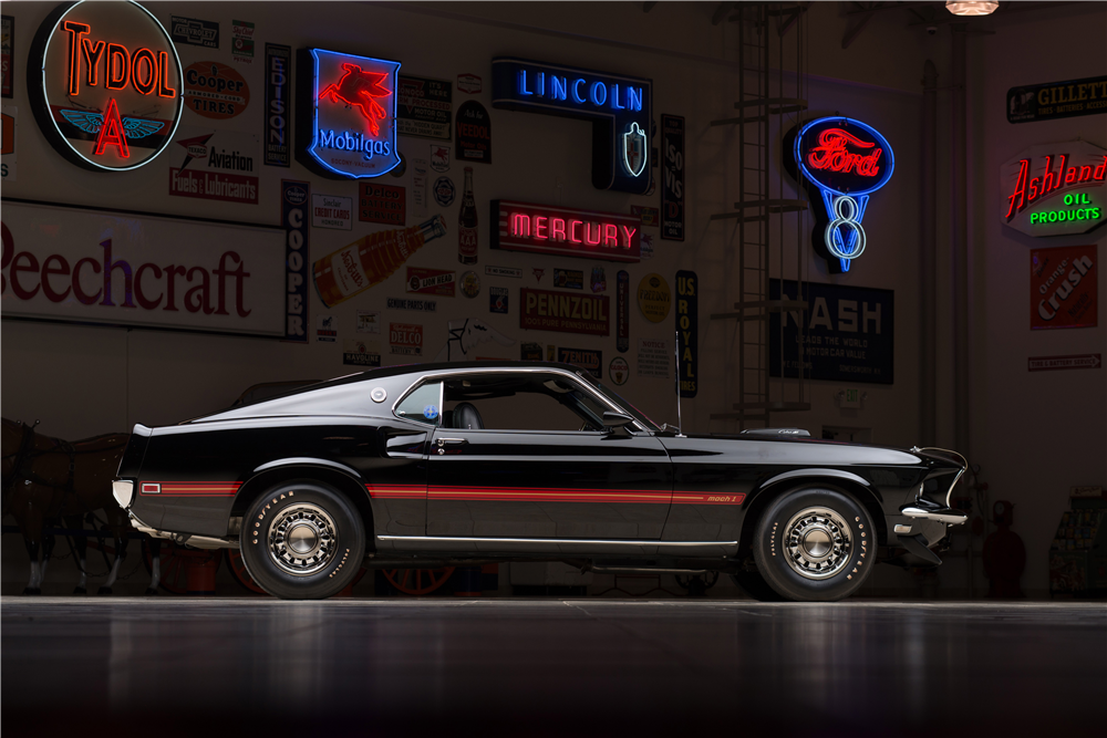 1969 FORD MUSTANG MACH 1 428 CJ - Side Profile - 213310