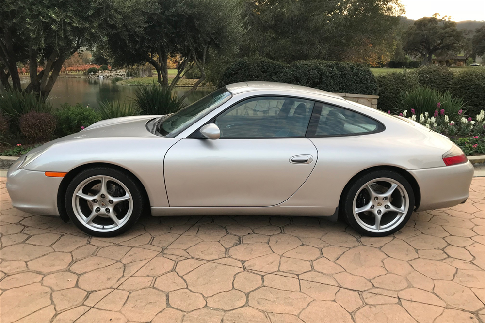 2004 PORSCHE 911 CARRERA - Side Profile - 213311