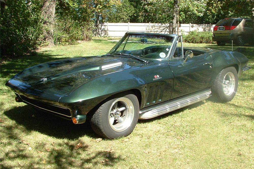 1965 CHEVROLET CORVETTE 396/425 CONVERTIBLE - Front 3/4 - 21344