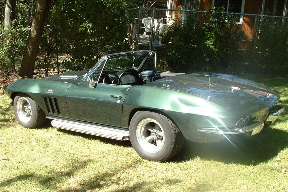 1965 CHEVROLET CORVETTE 396/425 CONVERTIBLE - Rear 3/4 - 21344