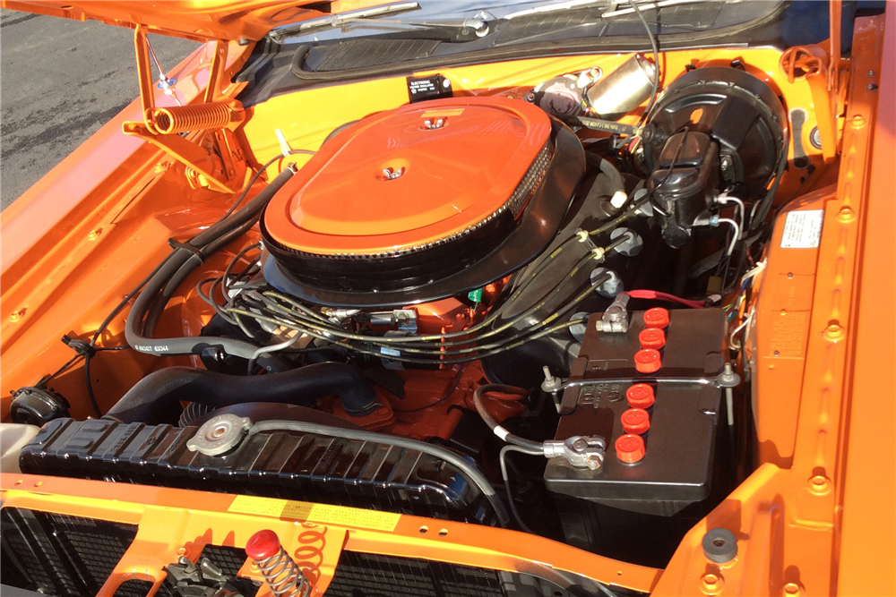 1970 DODGE HEMI CHALLENGER R/T - Engine - 213527