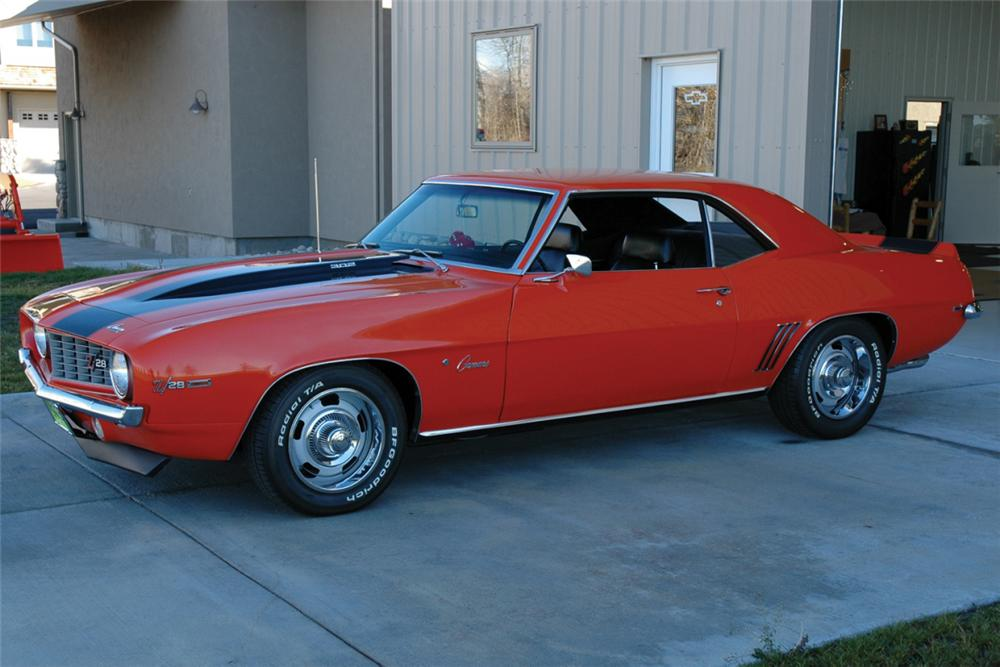 1969 CHEVROLET CAMARO Z/28 RS COUPE - Front 3/4 - 21355