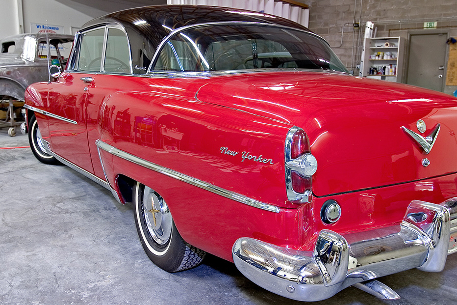 1954 CHRYSLER NEW YORKER 2 DOOR HARDTOP - Rear 3/4 - 21378