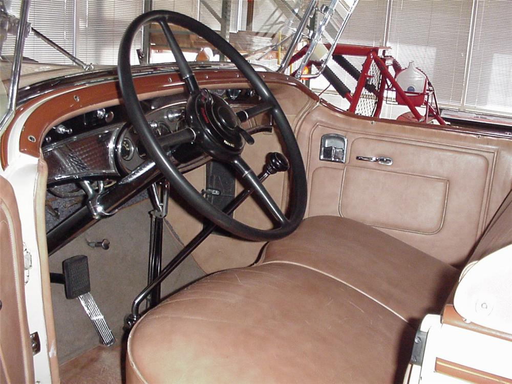 1931 CADILLAC ROADSTER - Interior - 21382