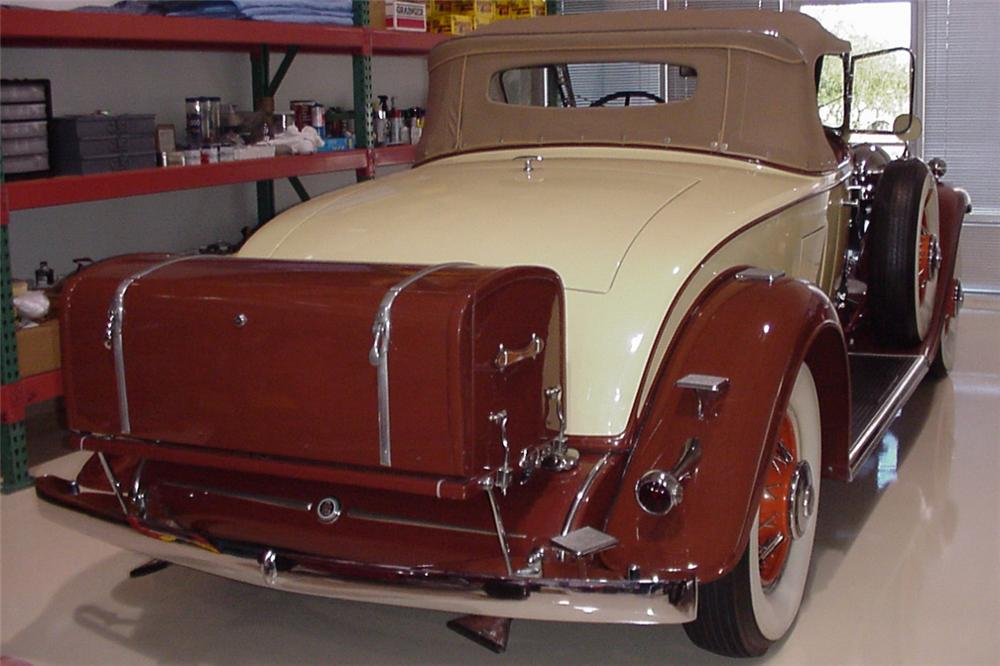 1931 CADILLAC ROADSTER - Rear 3/4 - 21382