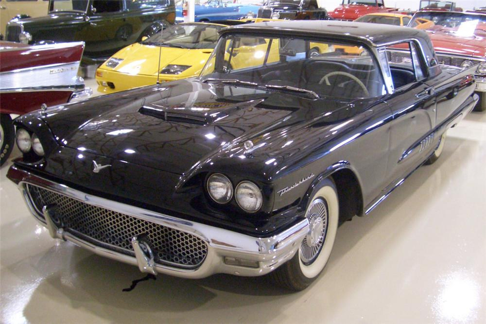 1958 FORD THUNDERBIRD COUPE - Front 3/4 - 21388