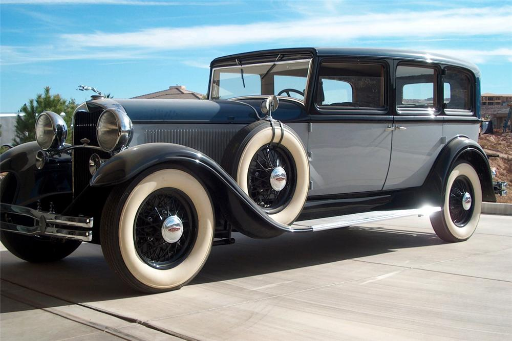 1931 LINCOLN 207A SEDAN - Front 3/4 - 21392