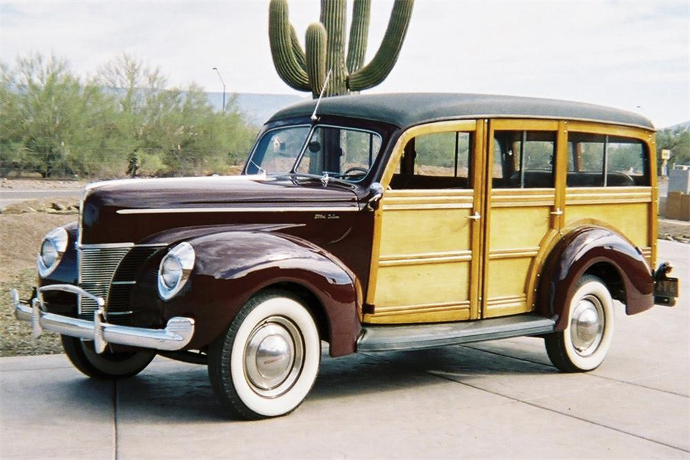 1940 FORD WOODY STATION WAGON - Front 3/4 - 21398