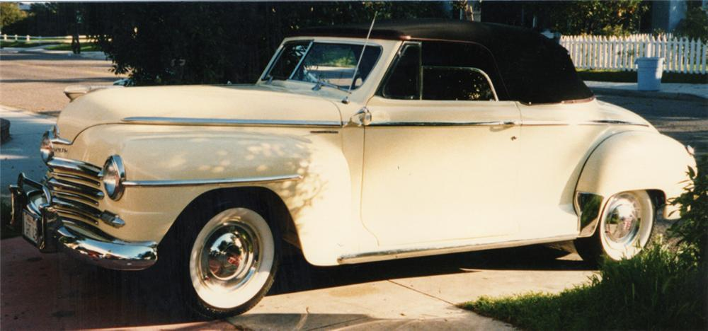1948 PLYMOUTH SPECIAL DELUXE CONVERTIBLE - Front 3/4 - 21400