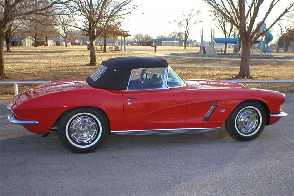 1962 CHEVROLET CORVETTE 327 CONVERTIBLE - Side Profile - 21409