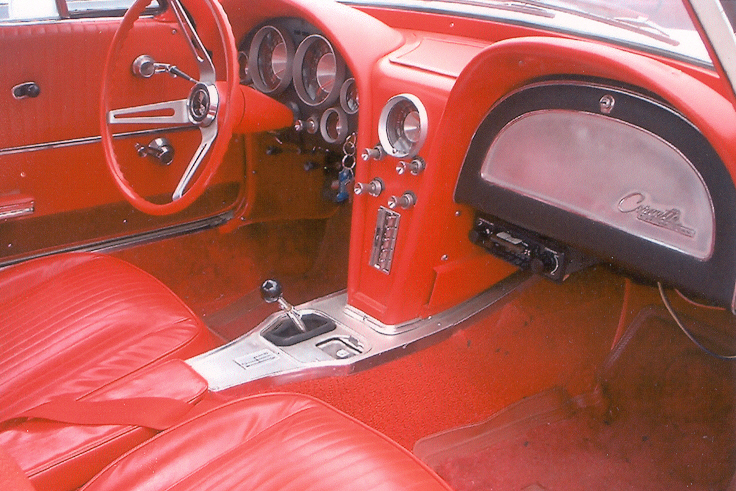 1963 CHEVROLET CORVETTE SPLIT WINDOW COUPE - Interior - 21433