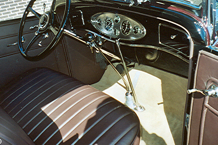1932 LINCOLN KB 4 DOOR SPORT TOURING - Interior - 21442