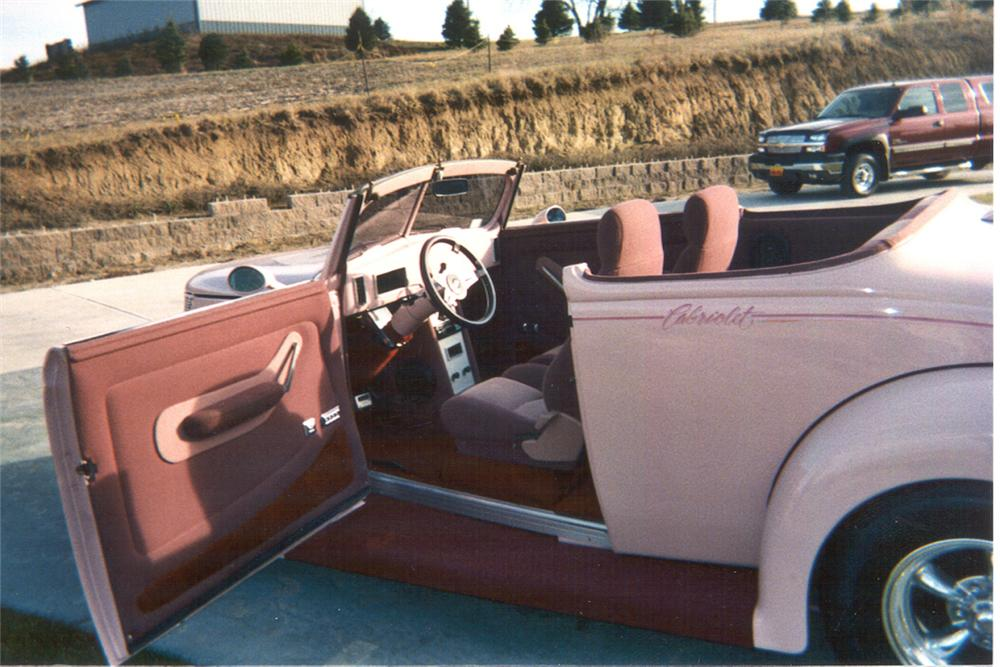 1937 FORD STREET ROD - Interior - 21445