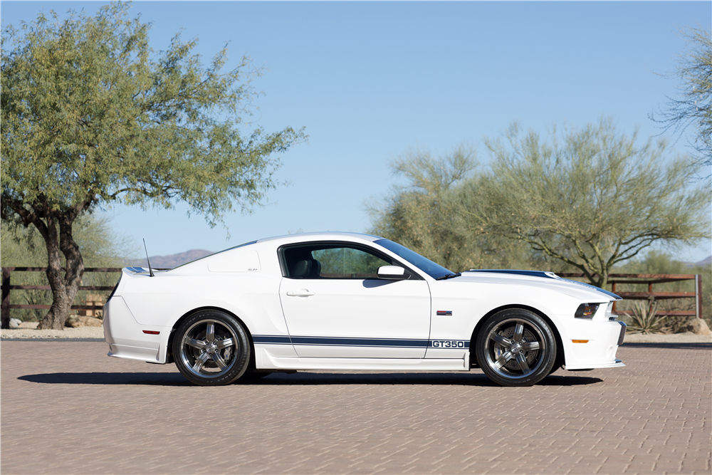 2011 FORD SHELBY GT350 - Side Profile - 214609