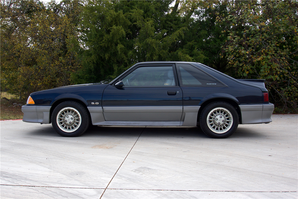 1989 FORD MUSTANG GT FASTBACK - 214738