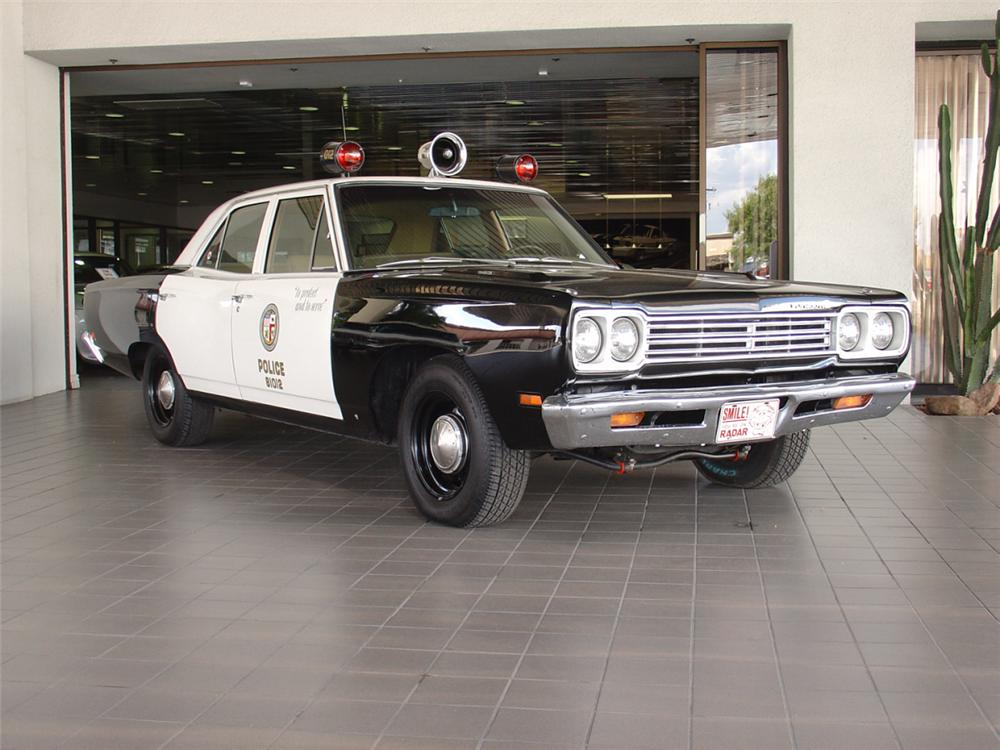1969 Plymouth Satellite 4 Door Police Car Adam 12 Re Cre Front 3