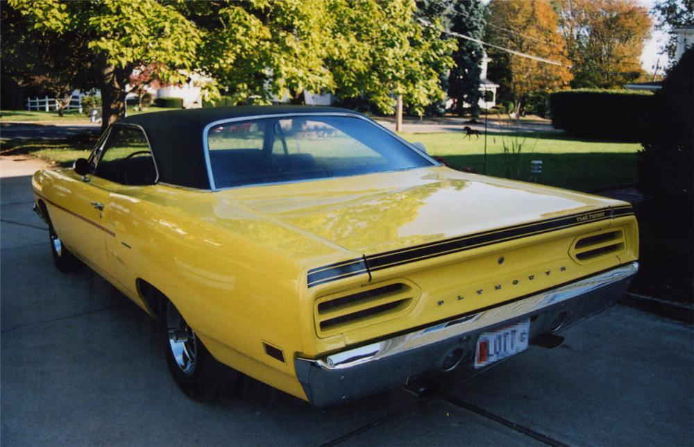 1970 PLYMOUTH ROAD RUNNER COUPE - Rear 3/4 - 21505
