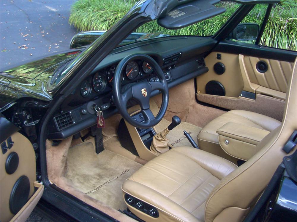 1989 PORSCHE 930 TURBO CABRIOLET - Interior - 21511