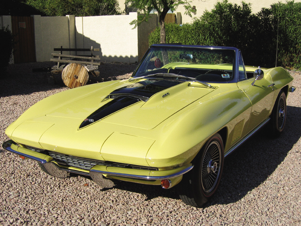 1967 CHEVROLET CORVETTE 427/400 CONVERTIBLE - Front 3/4 - 21523