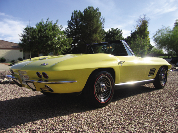 1967 CHEVROLET CORVETTE 427/400 CONVERTIBLE - Rear 3/4 - 21523