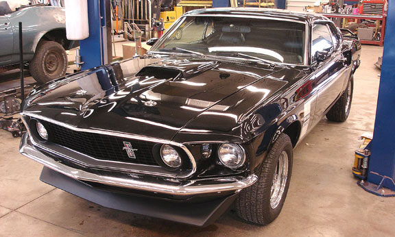1969 FORD MUSTANG 302 BOSS RE-CREATION - Front 3/4 - 21529