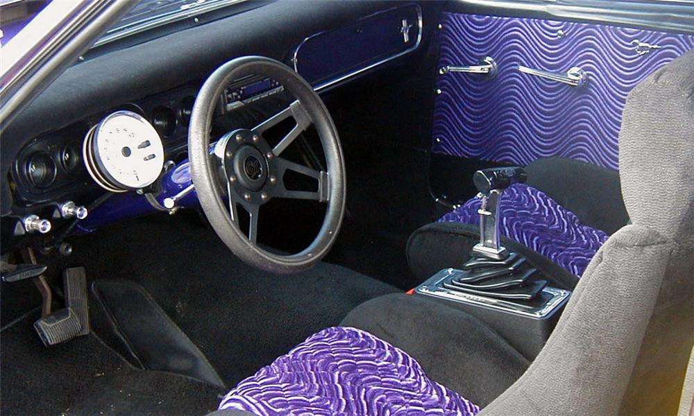 1966 FORD MUSTANG COUPE - Interior - 21550