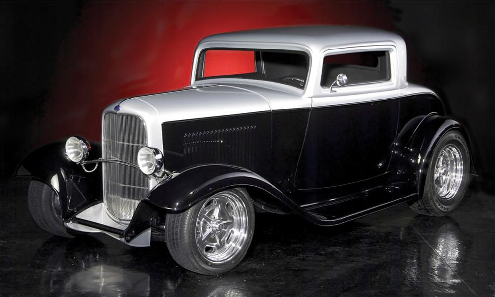 1932 FORD CUSTOM 3 WINDOW COUPE - Front 3/4 - 21600