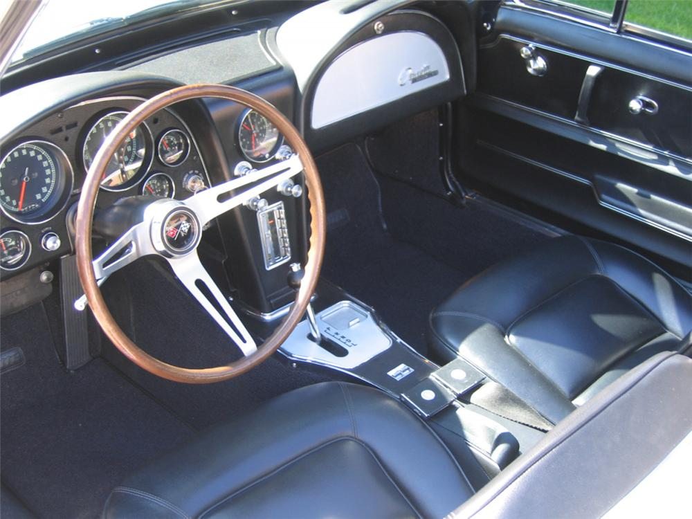 1965 CHEVROLET CORVETTE 327/300 CONVERTIBLE - Interior - 21612