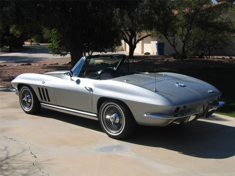 1965 CHEVROLET CORVETTE 327/300 CONVERTIBLE - Rear 3/4 - 21612