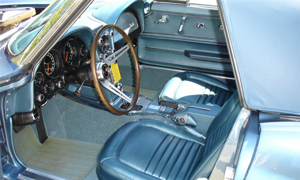 1967 CHEVROLET CORVETTE 427/400 CONVERTIBLE - Interior - 21621