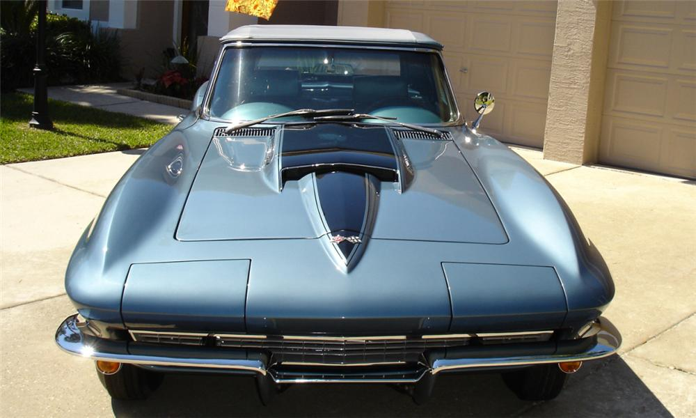 1967 CHEVROLET CORVETTE 427/400 CONVERTIBLE - Rear 3/4 - 21621