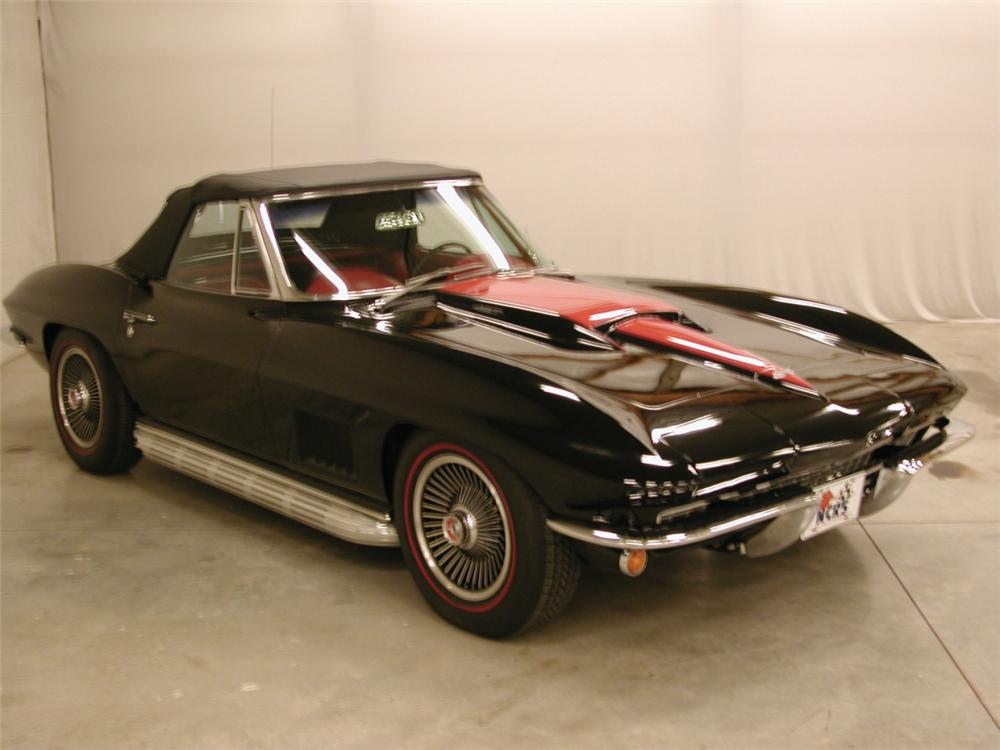 1967 CHEVROLET CORVETTE 427/435 COUPE - Front 3/4 - 21622