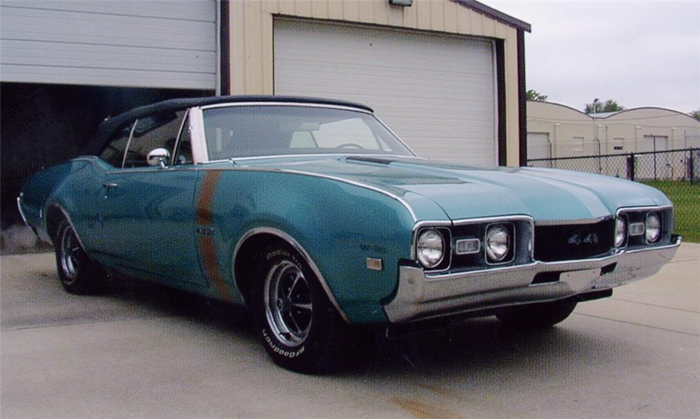 1968 OLDSMOBILE 442 W30 CONVERTIBLE - Front 3/4 - 21682