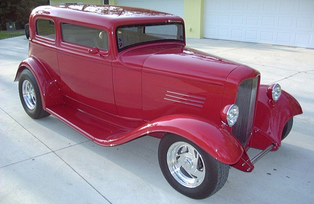 1932 FORD VICTORIA CUSTOM COUPE - Front 3/4 - 21706