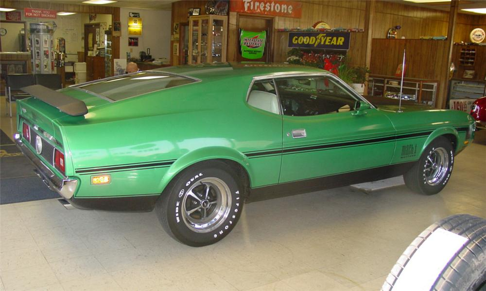 1971 FORD MUSTANG MACH 1 FASTBACK - Rear 3/4 - 21711