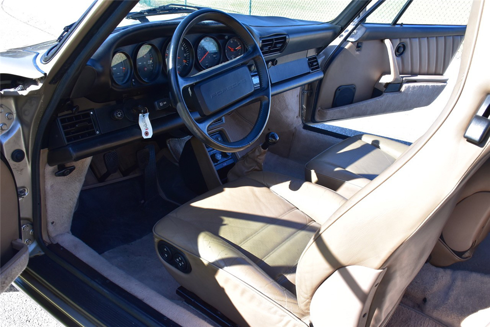 1986 PORSCHE 911 TURBO 930 - Interior - 218173
