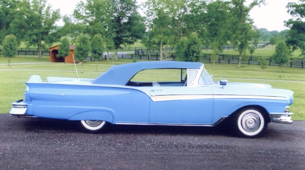 1957 FORD FAIRLANE 500 CONVERTIBLE - Front 3/4 - 21903