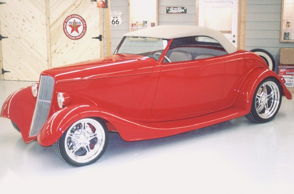 1933 FORD ROADSTER - Front 3/4 - 21925