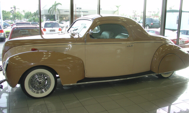 1938 LINCOLN ZEPHYR COUPE - Front 3/4 - 21932