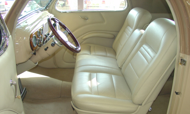 1938 LINCOLN ZEPHYR COUPE - Interior - 21932