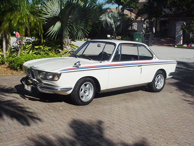 1967 BMW 2000 CS COUPE - Front 3/4 - 21957