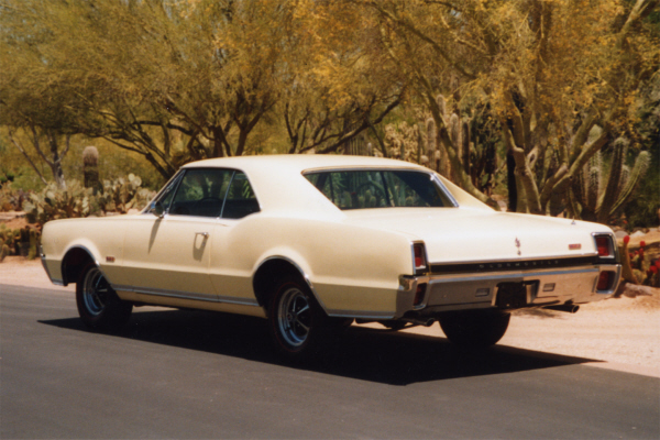 1967 OLDSMOBILE 442 2 DOOR HARDTOP - Rear 3/4 - 21971