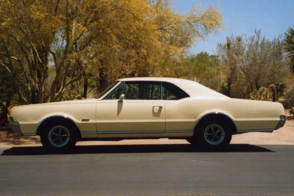 1967 OLDSMOBILE 442 2 DOOR HARDTOP - Side Profile - 21971