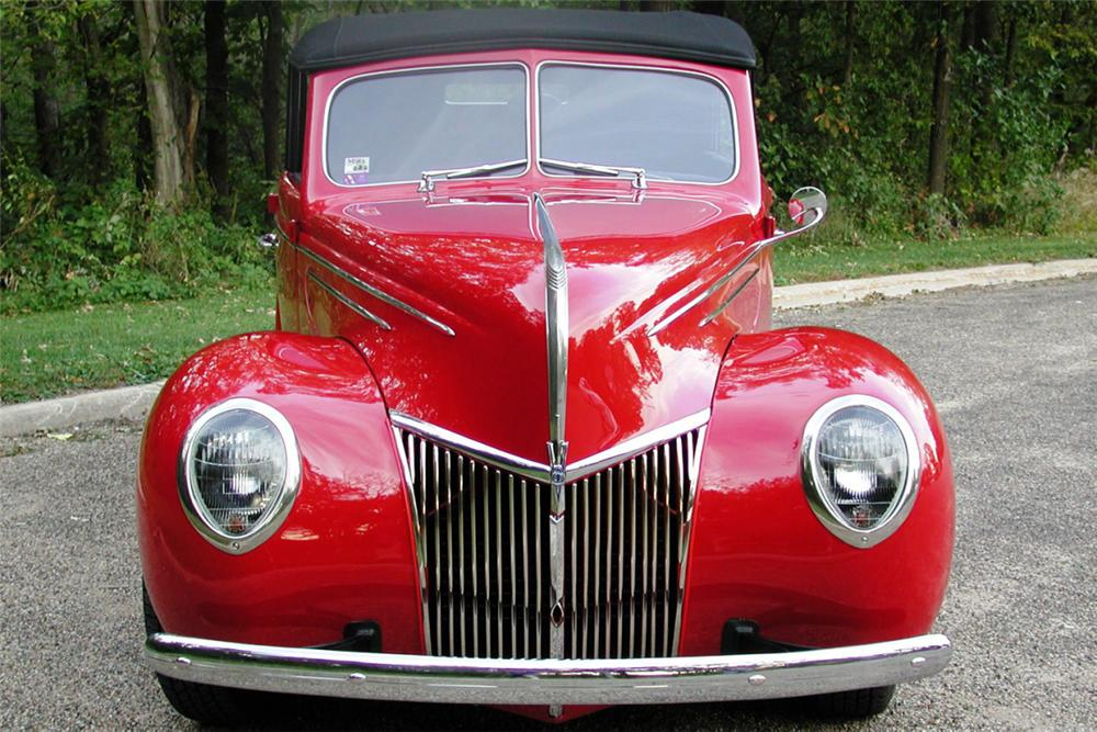 1939 FORD DELUXE CONVERTIBLE SEDAN STREET ROD - Side Profile - 21980