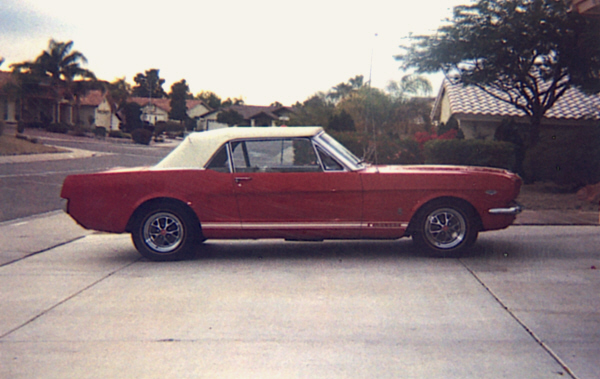 """1965 FORD MUSTANG GT """"K"""" CONVERTIBLE - Front 3/4 - 22007"""