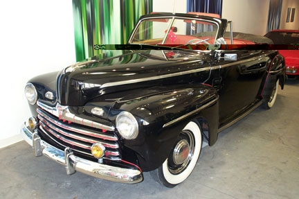 1946 FORD SUPER DELUXE CONVERTIBLE - Front 3/4 - 22087