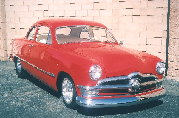 1949 FORD COUPE - Front 3/4 - 22124