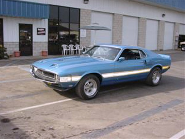 1969 SHELBY GT500 FASTBACK - Front 3/4 - 22126
