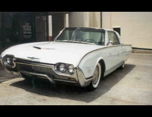 1961 FORD THUNDERBIRD 2 DOOR HARDTOP -  - 22174